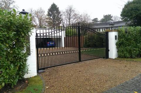 How much do electric gates cost - Windlesham Gates